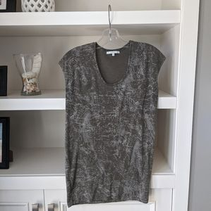 4/$30 Cassis t-shirt small